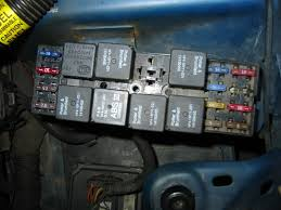 pics of a 95 f bod fuse relay box camaroz28 com message board this is a 1995 t a hope these help