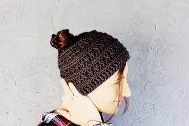 Ponytail Hat Crochet Pattern Classy Free Crochet Messy Bun Hat Pattern In A Chunky Boho Style