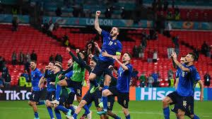 L'Italia batte l'Austria 2-1 e vola ai quarti di finale di Euro 2020