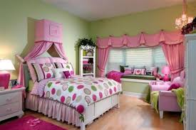 Pink And Green Walls In A Bedroom Green Bedroom Curtains Curtains Green Wall Bedroom Window Drapes