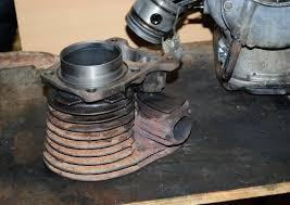 C'est un outil métallique utilisé pour enfoncer des clous ou extraire des pointes de planches ou bois divers. Produit Reparation Joint De Culasse Fonctionnement Ooreka