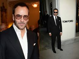 watch out tom ford designs a chain for apple watch iwatchau on his new spring summer 2016 london collections men show the most eye catching accessory is the apple watch chain tom ford installs a metal ring on the