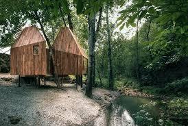 treehouse. The Treehouse / Wee Studio, © RoadsideAlien Studio