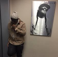 Sbeezy Lights Instagram Instagram Flexin Birdman Poses Next To Poster Of Lil Wayne