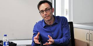 Professor Andrew Francis delivers a paper in California   School of Law    University of Leeds