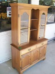 China Cabinet With Hutch Maple China Cabinet Hutch 8857 Amazing Finds Red Bluff