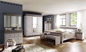 Schlafzimmer Oslo Kiefer massiv im Landhausstil