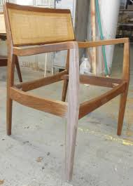 chair had broken leg