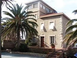 a vendre demeure de prestige 10 pieces 520m2 les pieds dans l eau propriano