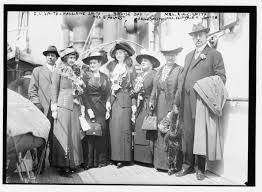 File:L to R- F.C. Smith, Madeleine Smith, Mrs. E. Holmes, Louise Day, Marg.  Smith, Mrs. Easton, R.A.C. Smith LCCN2014687138.jpg - Wikimedia Commons