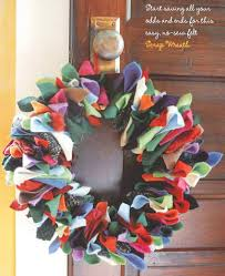 cheap christmas decor: image from quotfa la la la felt  handmade holiday decorationsquot by amanda carestio