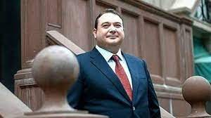 1996 yılında ofisinde silahlı saldırı sonucu öldürülen Özdemir Sabancı'nın  oğlu Demir Sabancı aldığı ölüm tehditleriyle zor günler geçiriyor