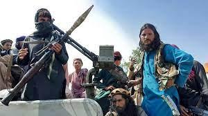 طالبان: سنحترم حقوق المرأة ونسمح بعملها شرط ارتداء الحجاب
