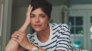 Throughout her diverse career, selma blair has been one of the most versatile and exciting actresses on screen. Introducing Selma Blair Trailer Explores Actress Multiple Sclerosis Battle Deadline
