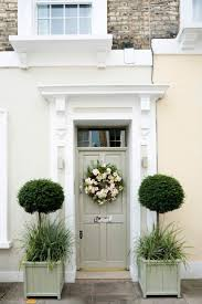 Decorating With Green Best 25 Green Wreath Ideas On Pinterest Door Wreaths Boxwood