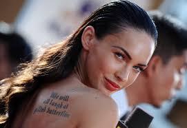 скачать обои меган фокс Megan Fox поцелуй взгляд тату брюнетка
