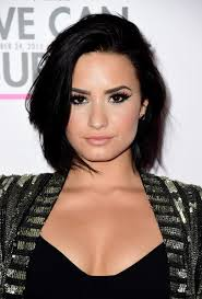 how to style a tousled bob like demi lovato check it out at