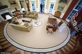 obama oval office decor. Pete Souza | Daily Mail Obama Oval Office Decor S