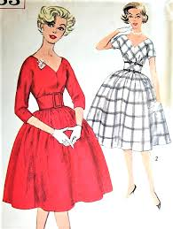 Vintage Sewing Patterns Gorgeous 48s FLATTERING Cocktail Party Dress Pattern SIMPLICITY 48 Deep V