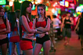 5 kehidupan malam untuk menemui cewek thailand / di bangkok, anda bisa menyelusuri jalan khaosan dan thonglor, dan anda akan mengalami semarak kehidupan malam yang mungkin tak akan anda temukan di belahan dunia lainnya. Ngeri Di Balik Gemerlapnya Pariwisata Thailand Inilah Sisi Kelam Dunia Prostitusi Di Sana Yukepo Com