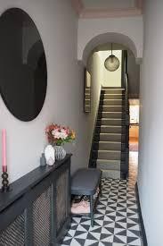 5 small hallway wall decor ideas