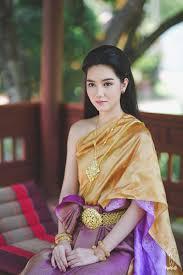 รชช อรเณศ ชดไทยสไบเฉยง สวยงดงามตามแบบฉบบหญงไทยสมย