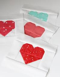 Simple Heart Quilt | Cluck Cluck Sew & Layout the blocks in 5 rows of 4 blocks each. Sew blocks together to form  the rows(seams won't nest so make sure to pin…or don't…I won't tell), ... Adamdwight.com