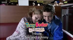 2:43 tracy beaker memories 8 548 просмотров. Tracy Beaker Returns Tribute Tee Johnny Youtube