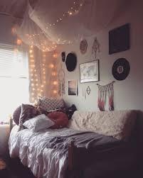 Bedroom: Pretty Dorm Room Decor Ideas - Dorm Room