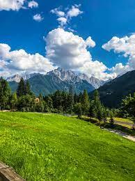 Amazing Mountain Green View HD wallpaper