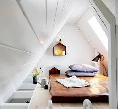 Einziger nachteil, es hat im schlafzimmer eine dachschräge. Dachschragen Einrichten Tipps Und Ideen Fur Das Dachgeschoss