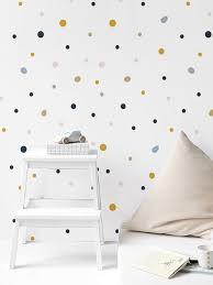 Os adesivos de parede são enviados em cartelas com imagens soltas, não possuem fundo, não preenchem toda superfície. Papel De Parede Adesivo Selva Pingos Coloridos Mama Loves You Estudio De Decoracao Infantil