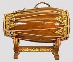 50 alat musik tradisional indonesia beserta asal daerahnya by pixelproposal indonesia adalah negara kepulauan yang terkenal dengan keanekaragaman suku dan budaya yang membuatnya juga memiliki berbagai macam alat musik tradisional. 50 Nama Alat Musik Tradisional Indonesia Beserta Daerah Asalnya Musiktrumper