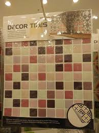 Kaison Wallpaper Waterproof - Pagar Rumah