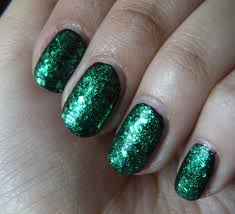 Green glitter nail designs - how you can do it at home. Pictures ...