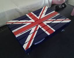 british flag furniture. DIY British Flag Table Furniture