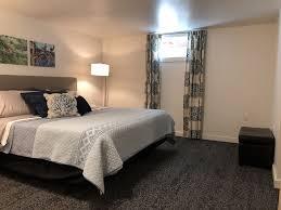 Neu Renovierte Große Wohnung Mit Einem Schlafzimmer Privater