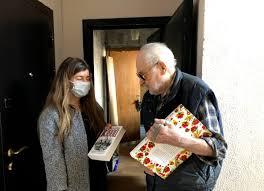 Ветераны получили от волонтеров вместе с продуктами <b>книги</b> от ...