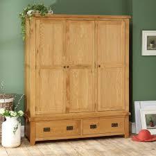 hereford rustic oak triple 3 door wardrobe with drawers the triple wardrobe with drawers