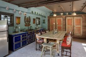 Dining Kitchens.