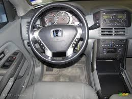 Gray Interior 2004 Honda Pilot EX-L 4WD Photo #38532243 | GTCarLot.com