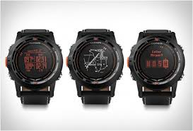 this watch was specifically designed for pilots featuring garmin s signature direct to and nearest navigation functions as well as a built in altimeter