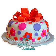 Elegant Fondant Cake Egglesscakein Midnight Delivery In Noida