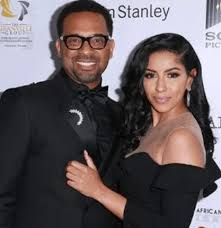 tv producer mike epps engaged to tv producer girlfriend topnaija
