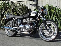 rent a triumph bonneville t100 christchurch new zealand