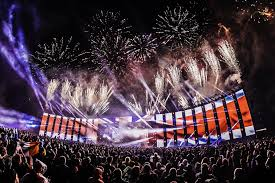 Now entering its third edition, the boutique electronic festival has so far sold out every year, doubling its initial capacity of 5,000 to a pretty healthy, but still intimate, 10,000. Top 10 Electronic Music Festivals In Uk Discotech The 1 Nightlife App