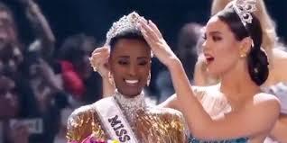 Algunas de las clases que tuvo que tomar meza carmona fue oratoria, pasarela y ejercicio, para combatir los nervios que conlleva este magno evento. Miss Universo 2021 Estas Son Las Favoritas Del Concurso De Belleza