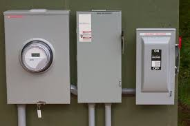 how to safely turn off power at the electrical panel where is the main circuit breaker located at Breaker Box Fuse Shut Off