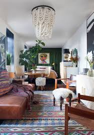 Image Apartment Decorating 10 Best Ways To Display Souvenirs Worldly Eclectic Style In New York City Apartment Elle Decor 10 Best Ways To Display Souvenirs Worldly Eclectic Style In New