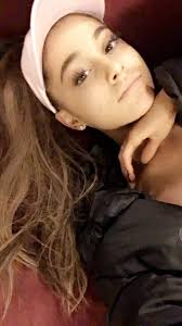 andy loves ariana on twitter retweet if you think ariana grande is still beautiful without make up
